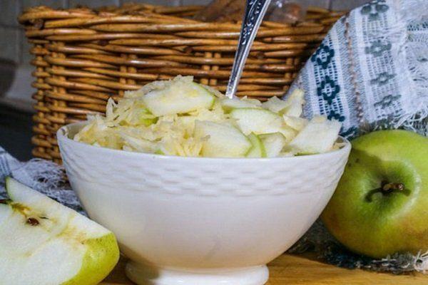 Маринованная с яблоками репа