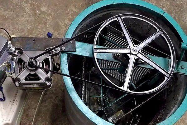 Из стиральной машины