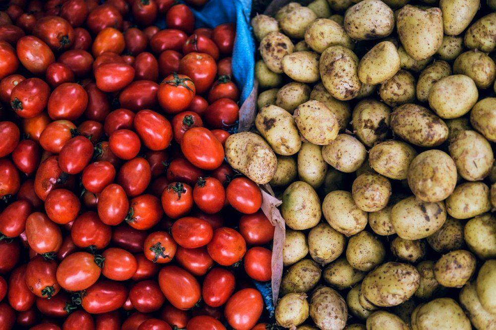 Картофель и помидоры